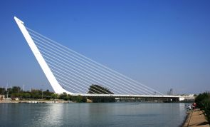 1280px-Puente_del_Alamillo_en_Sevilla