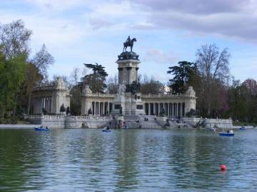 Central park lake Retiro Madrid, Spain