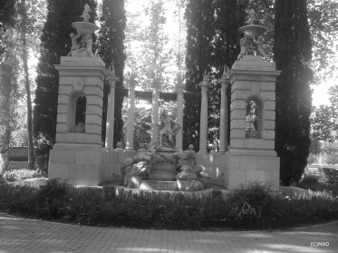 Aranjuez madrid park sculpture