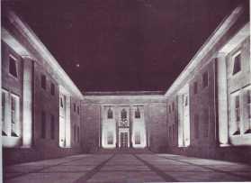Ehrenplatz 33