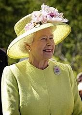 Elizabeth II greets NASA employees