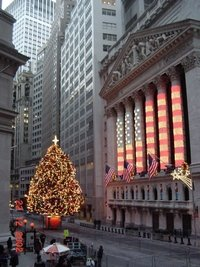 tn 2002-12-nyse-xmas-decorations