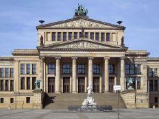 800px-Konzerthaus by Schinkel