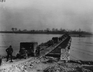 771px-Pontoon_bridge_Rhine_River_1945